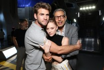 "EXCLUSIVE - Liam Hemsworth, Maika Monroe and Jeff Goldblum seen at the ""Independence Day Resurgence"" Global Production Event on Monday, June 22, 2015, in Albuquerque, New Mexico. (Photo by Eric Charbonneau/Invision for Twentieth Century Fox/AP Images)"