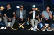 "EXCLUSIVE - Bill Pullman, Jeff Goldblum, Director/Writer Roland Emmerich and Liam Hemsworth seen at the ""Independence Day Resurgence"" Global Production Event on Monday, June 22, 2015, in Albuquerque, New Mexico. (Photo by Eric Charbonneau/Invision for Twentieth Century Fox/AP Images)"